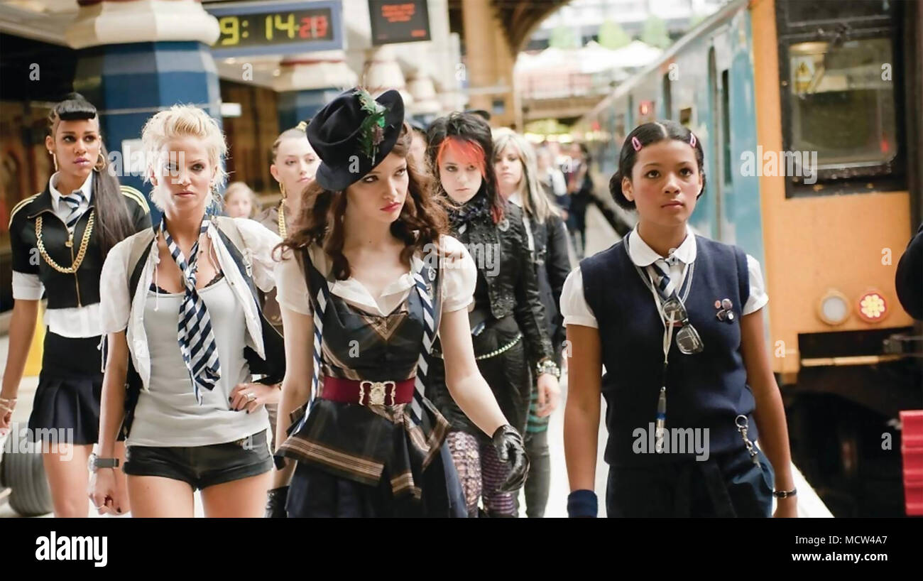 ST TRINIAN'S 2: THE LEGEND OF FRITTON'S GOLD 2009 Aegis Film Fund production with Sarah Harding in hat - Stock Image
