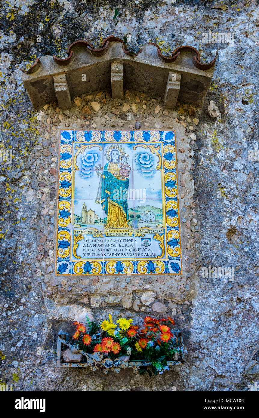 A shrine to mare de deu del remei sa ma palautordera in the grounds of the benedictine abbey at Montserrat in Spain. - Stock Image