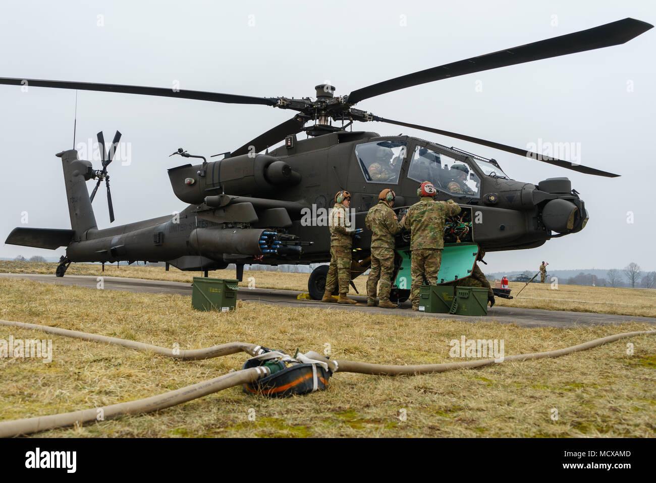 an ah 64 apache armament stock photos an ah 64 apache armament rh alamy com Army Gunnery Humvee Army Stryker Gunnery