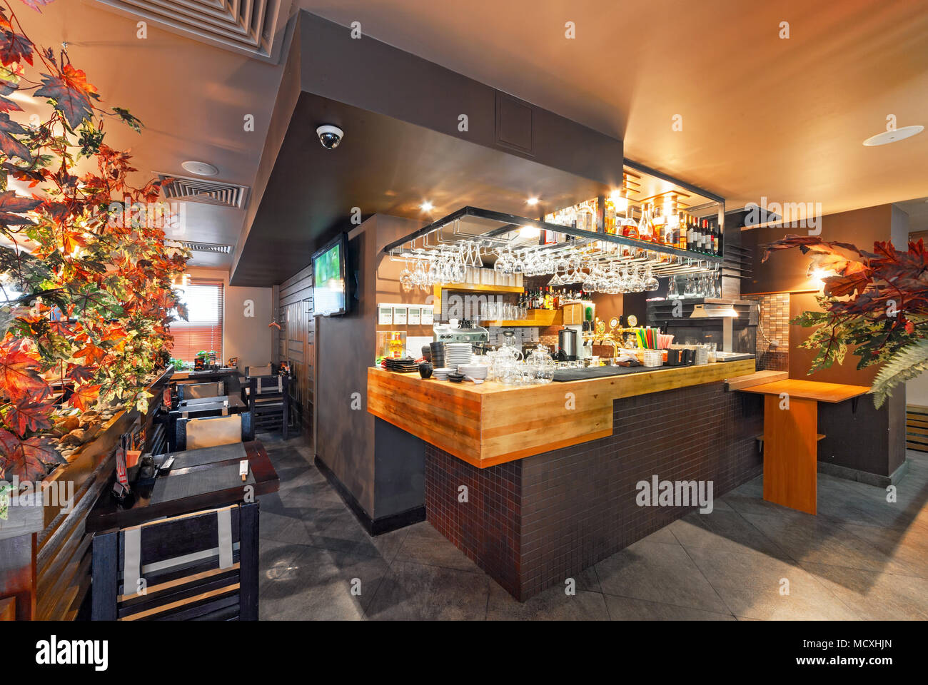 Moscow September 2014 Interior Of The Modern Japanese Restaurant Yakitoriya Decorated In The Autumn Theme Bar Counter Stock Photo Alamy