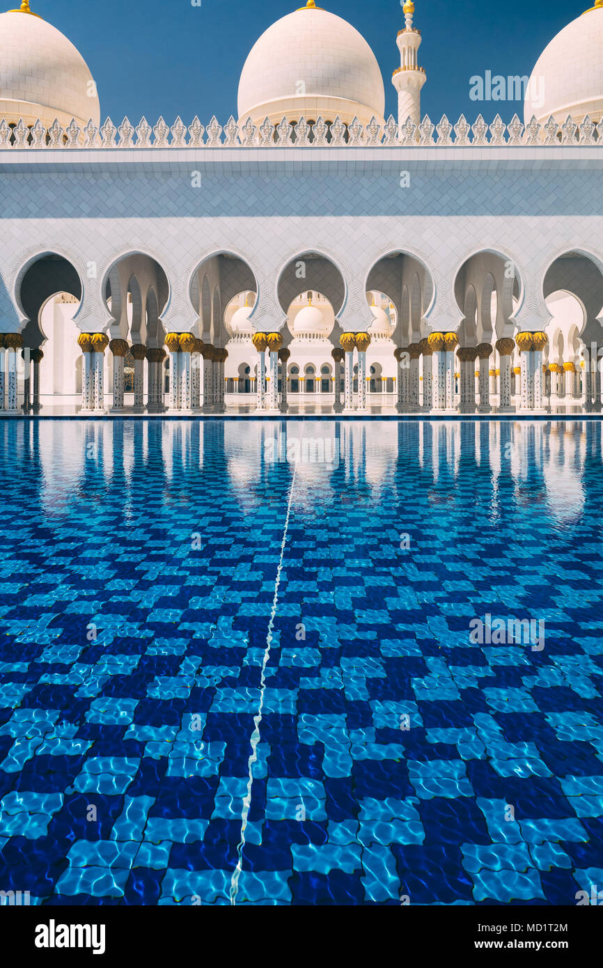 ABU DHABI/UNITED ARAB EMIRATES - MARCH 29th, 2018: Architecture detail of the majestic Sheikh Zayed Grand Mosque - Stock Image