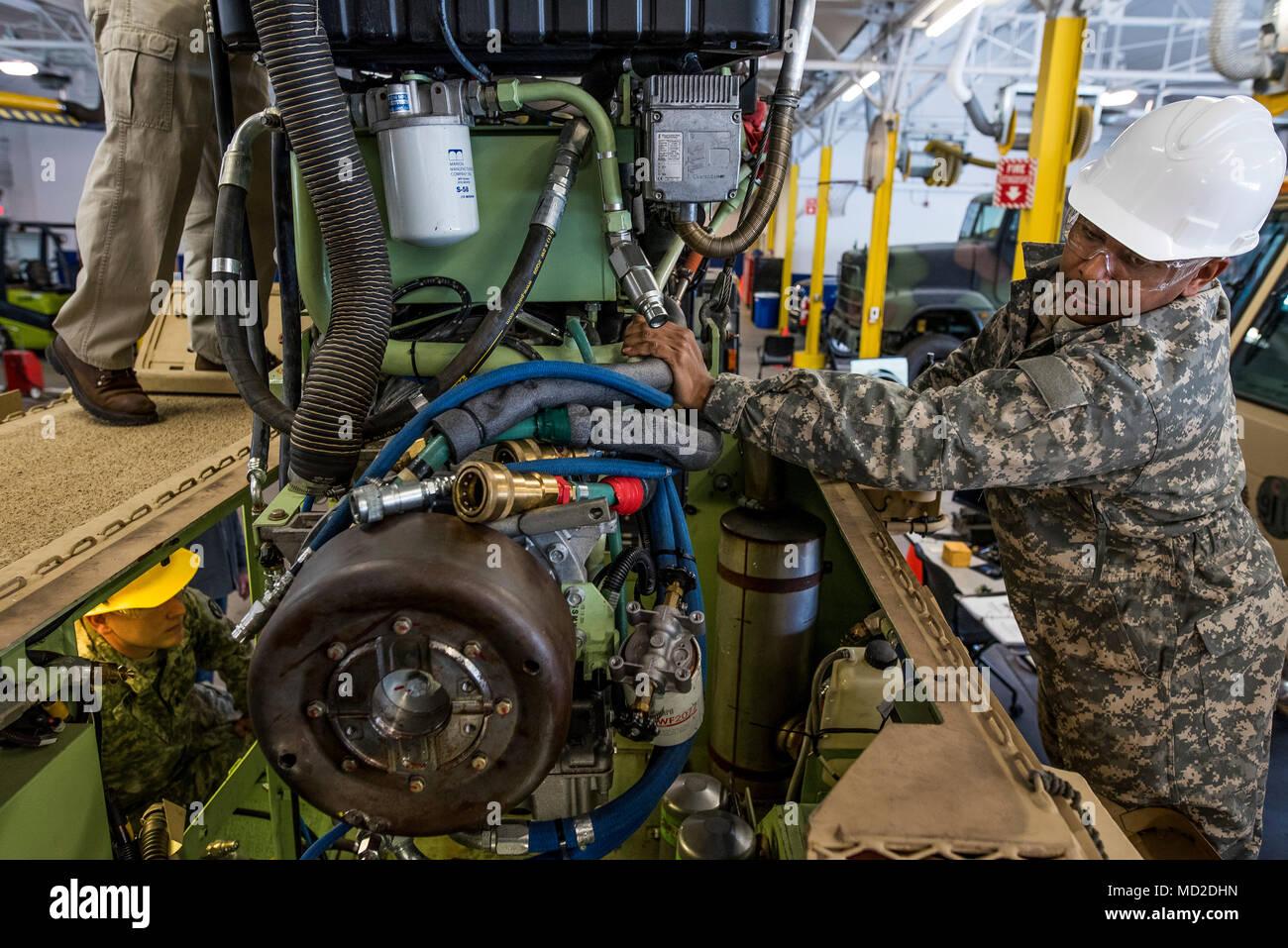 U S Army Mechanics Stock Photos & U S Army Mechanics Stock