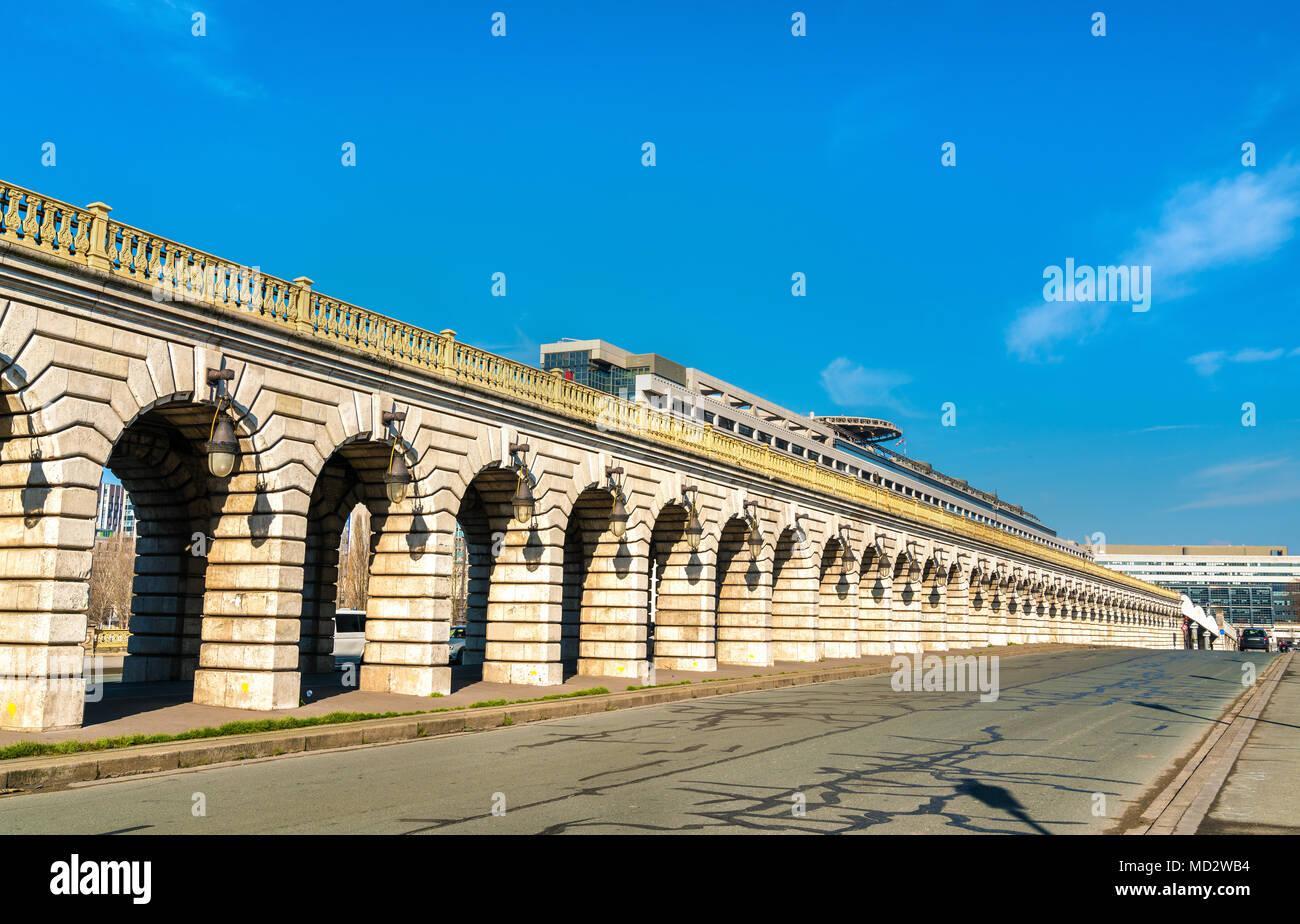 The Pont de Bercy, a bridge over the Seine in Paris, France - Stock Image