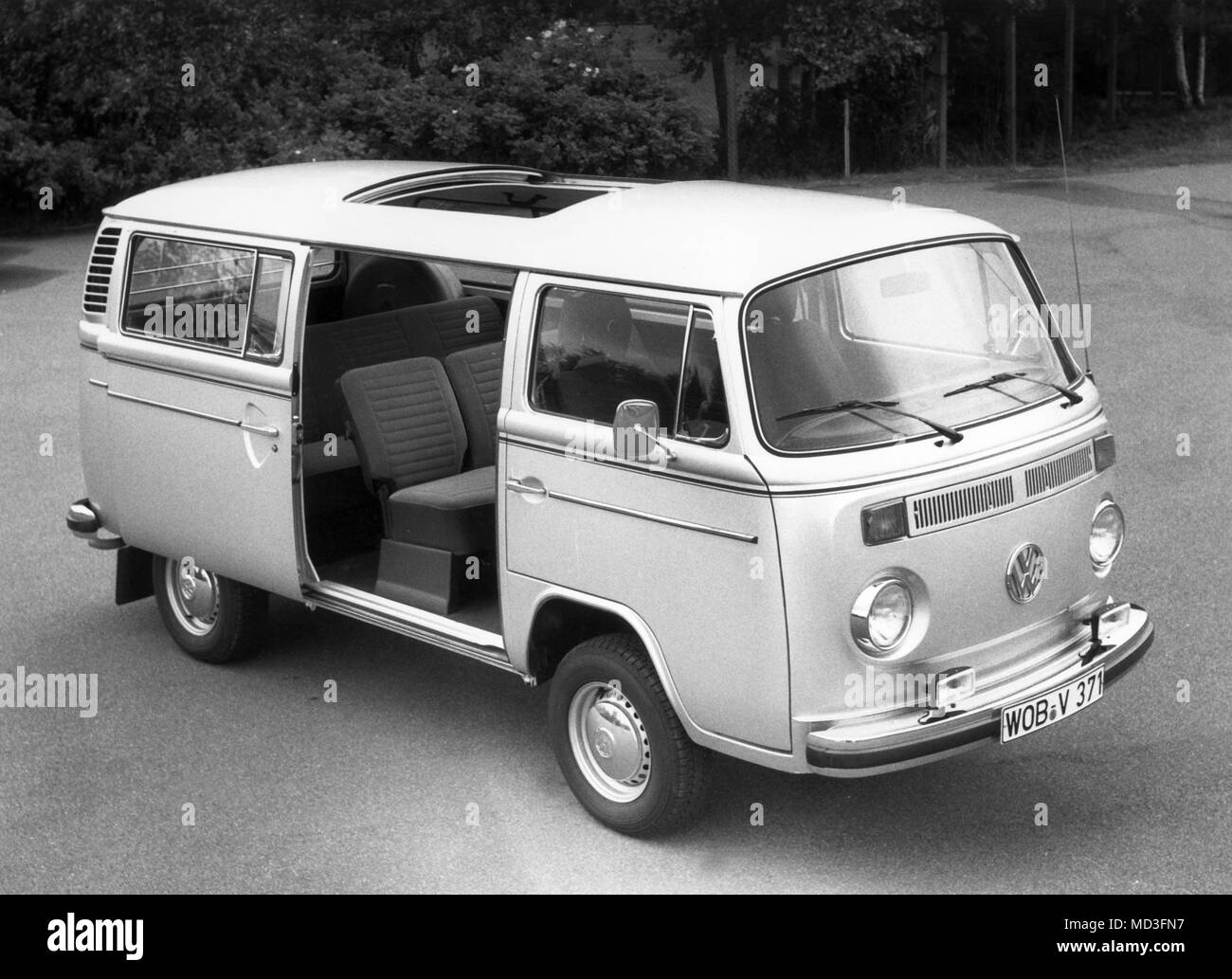 The Volkswagen Bus as a prominent representative of the VW Type 2 series will be offered by VAG dealers in an eight-seat version from September 22, 1978. The special model offers active and passive safety and comfort, including steel belt tires, heated rear window, halogen headlamps, dimming rear and rear reversing lights, headrests, three-point automatic safety belts for driver and front passenger, a crank-crank roof, and a daily mileage payer. The special model with the 2-liter rear engine costs 19,495 marks (recommended retail price).     (c) dpa - Report     | usage worldwide - Stock Image