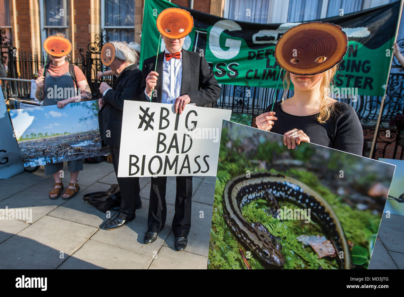 London, UK. 18th April, 2018. Counter Demo to the World's Largest Biomass Conference, in the Landmark hotel, Marylebone, London. They hope to bring greater scrutiny to a practice that's turning forests into pellets to supply the UK energy market. The protest was organised by Biofuelwatch who believe the practice is destroying the environment and reducing biodiversity. Credit: Guy Bell/Alamy Live News - Stock Image