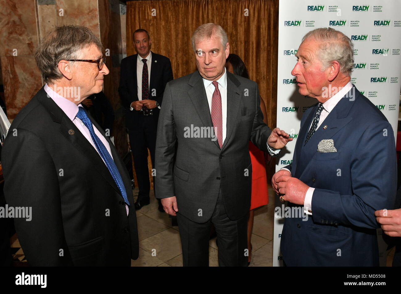 left-to-right-bill-gates-talks-to-the-du
