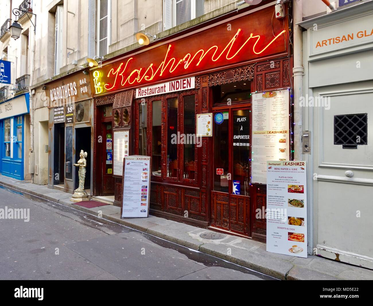 Indien, Indian restaurant, exterior in the early morning, Paris, France - Stock Image