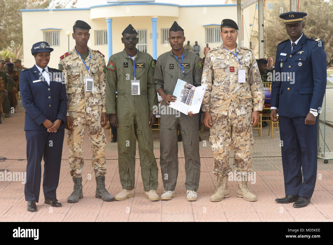 African Partnership Flight participants from Mauritania pose for a photo after the closing ceremony for APF at Captain Andalla Cissé Air Base, Senegal, March 23, 2018. The purpose of APF Senegal is to conduct multilateral, military-to-military engagements and security assistance with African air forces. (U.S. Air Force photo by Airman 1st Class Eli Chevalier)  (U.S. Air Force photo by Airman 1st Class Eli Chevalier) - Stock Image