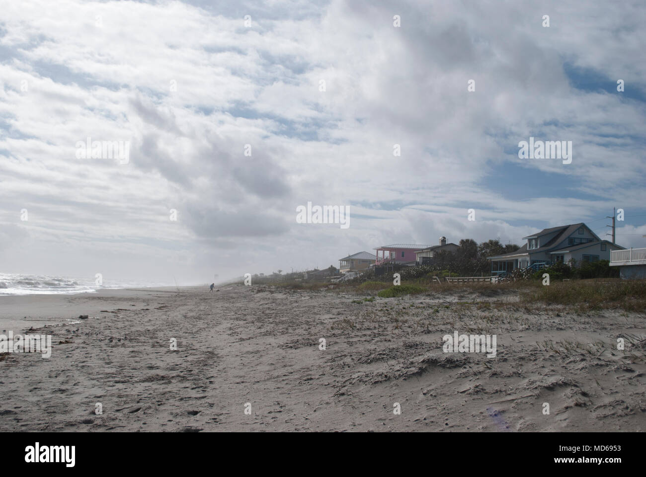 Ocean Shore Beach House Backgrounds Waves Surfing Fishing Restaurants On The Beach Stock Photo Alamy