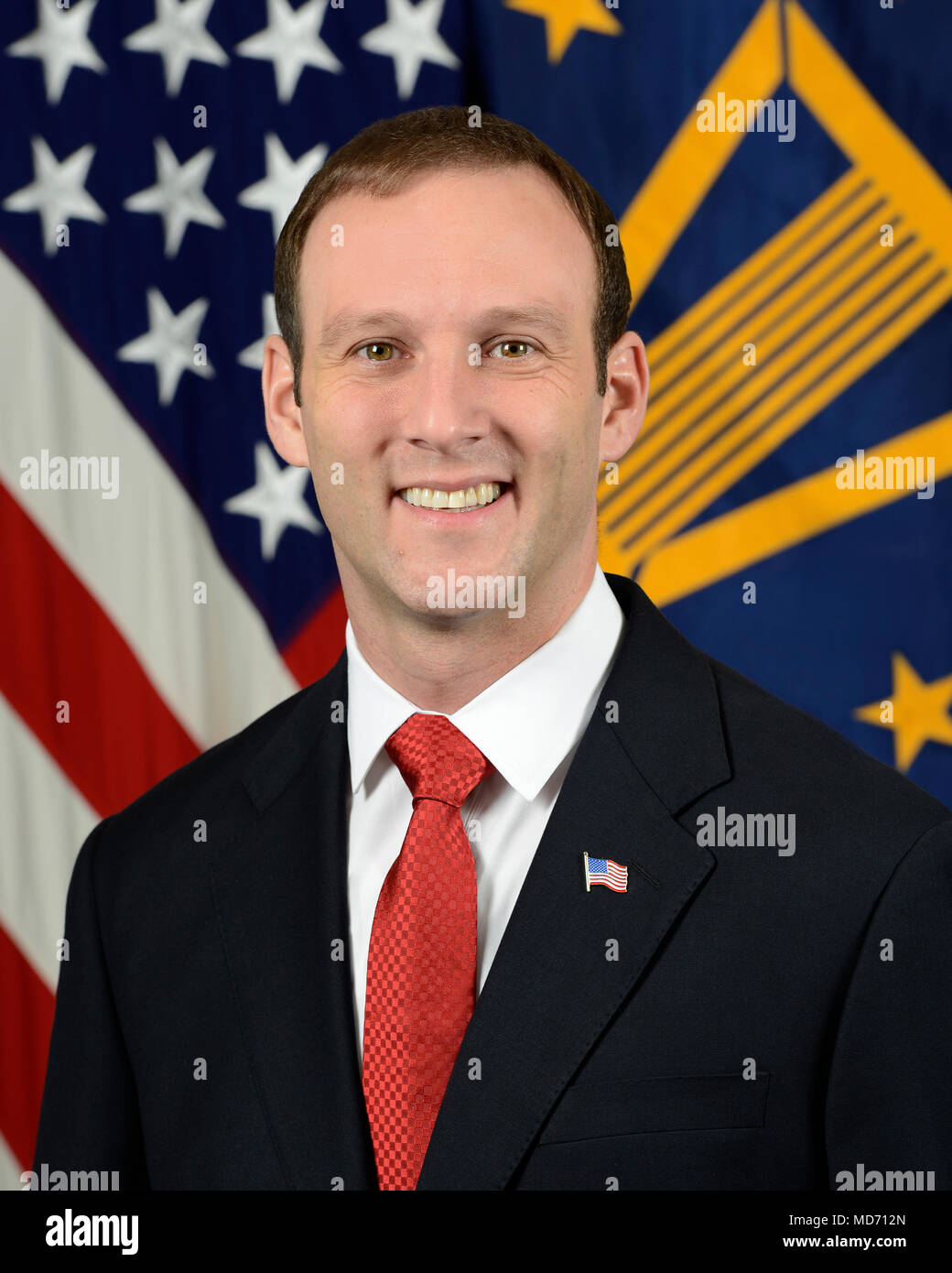 Michael Odle, Executive Director, Defense/Veterans Affairs Colaboration Office, Office of the Secretary of Defense, poses for his official portrait in the Army portrait studio at the Pentagon in Arlington, Va., Mar. 8, 2018.  (U.S. Army photo by Monica King) - Stock Image