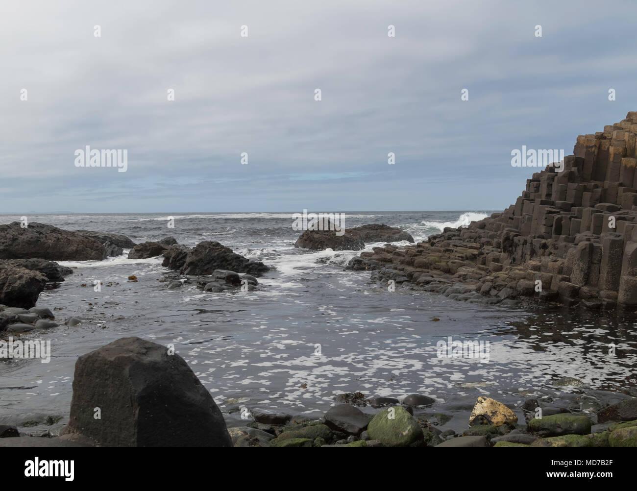 Giant's Causeway Natural Hexagonal Rocks, Atlantic Coastline, Northern Ireland - Stock Image