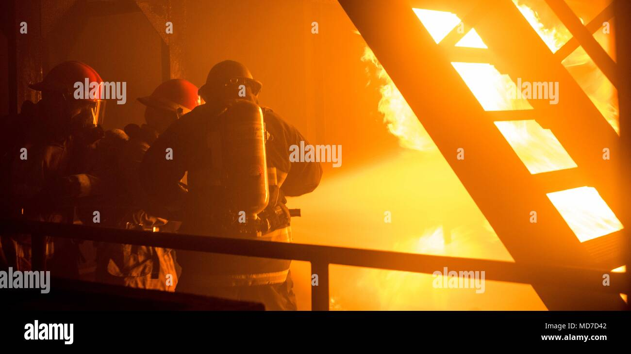Sailors Simulated Engine Room Fire Stock Photos & Sailors ...