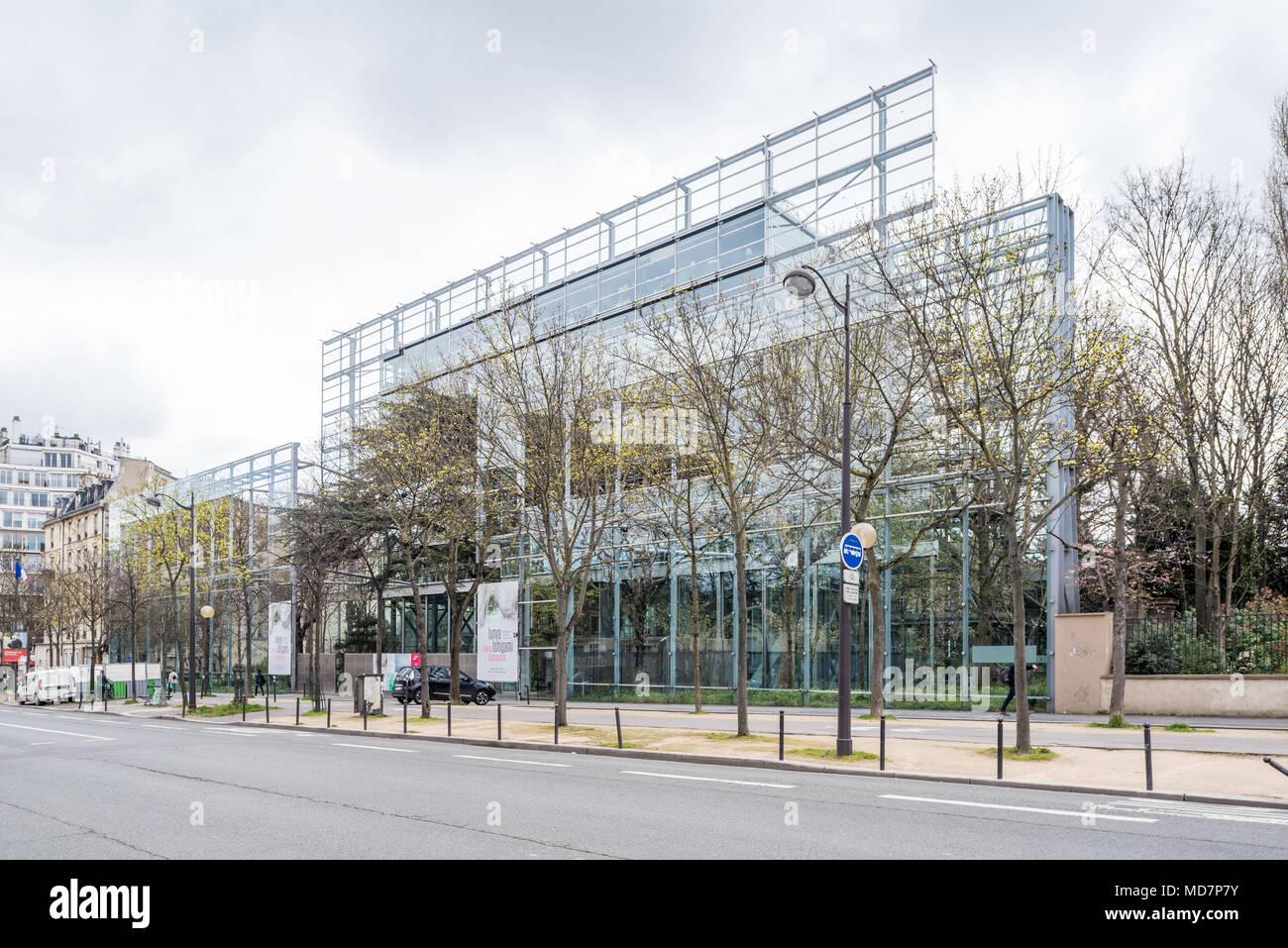 France, Paris - 5 April 2018: Fondation Cartier pour l'art contemporain designed by French architect Jean Nouvel Stock Photo