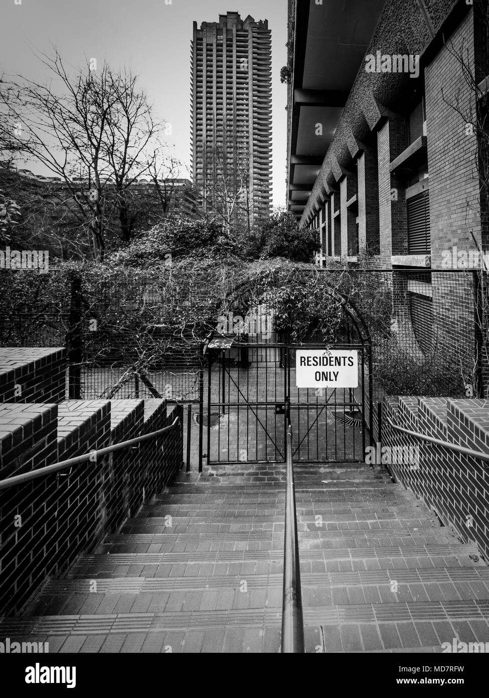 Residents only sign, Barbican Estate, London, UK, part of the Barbican complex. - Stock Image