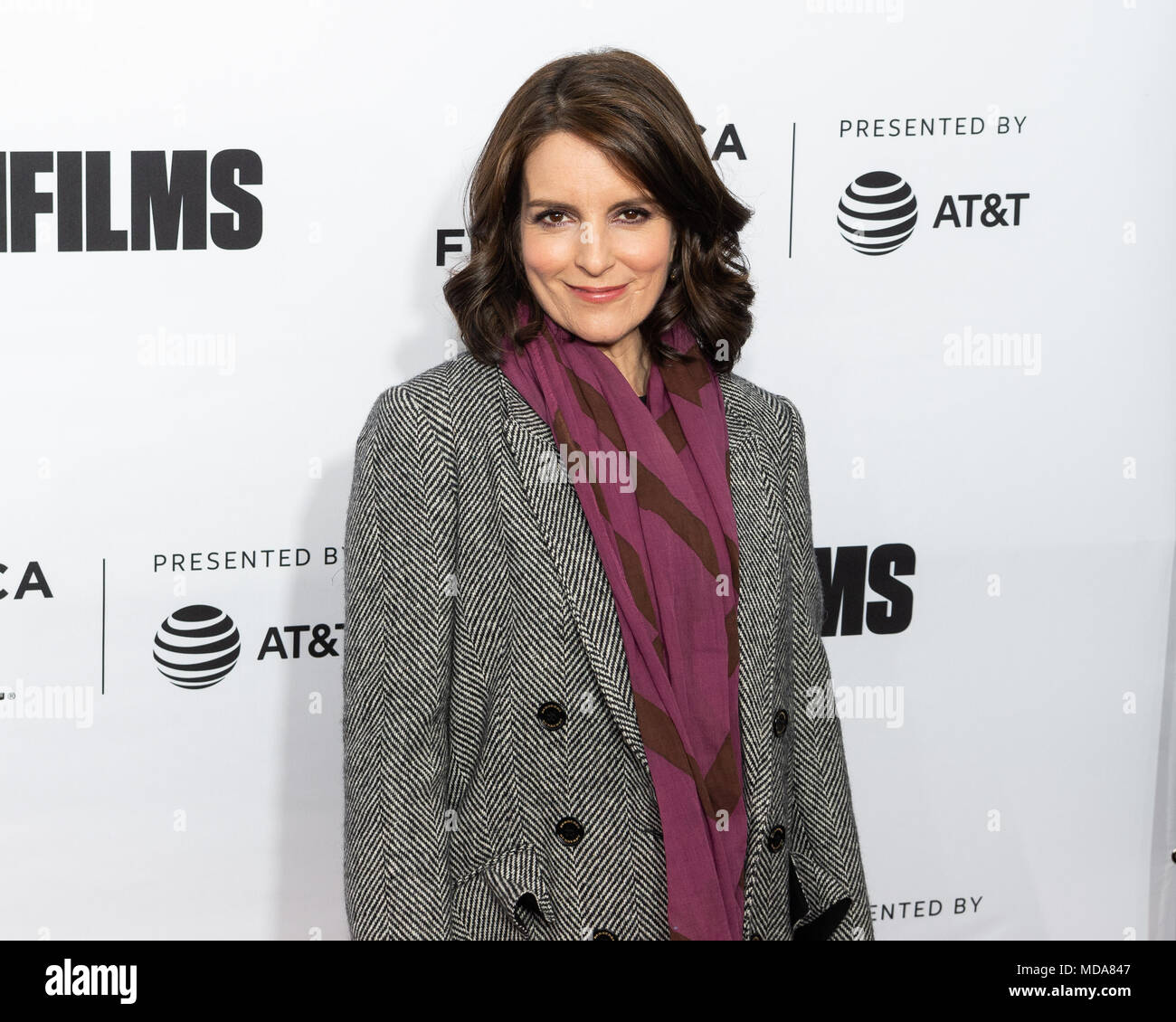 Pictures Of Tina Fey Jeff Richmond Anne Hathaway And: Gilda Live Stock Photos & Gilda Live Stock Images