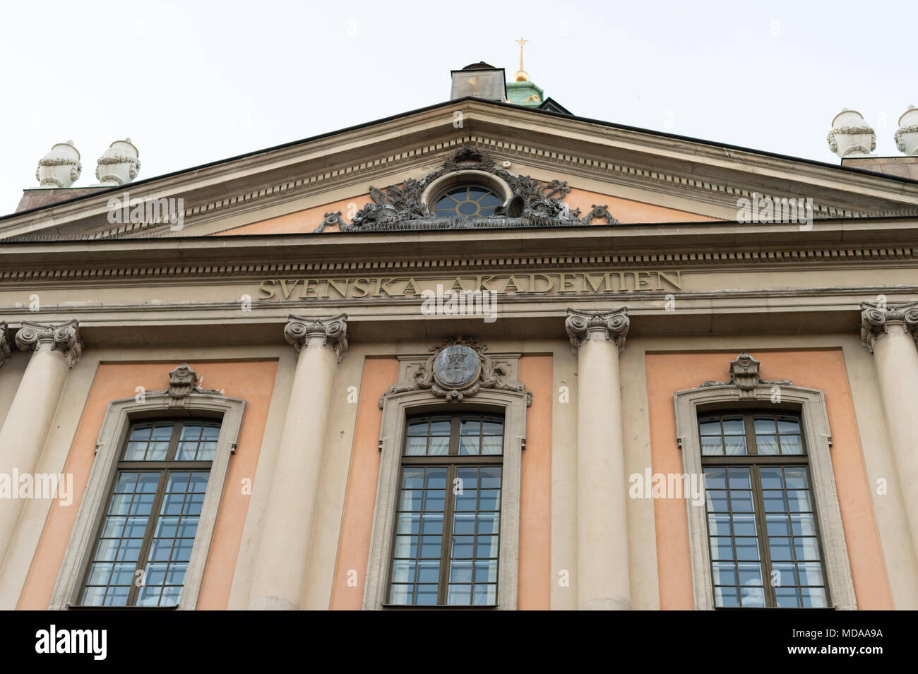 Stockholm, Sweden, 18th April, 2018. Crisis in the Swedish Academy. Later today (19th April) at 5 p.m. a manifestation calling on the entire Swedish Academy to resign. The manifestation has attracted great interest. It is also time for the remaining members at the Swedish Academy to be seen for their weekly meeting at 5 p.m. (The Swedish Academy is responsible for choosing the Nobel Laureates in Literature). Credit: Barbro Bergfeldt/Alamy Live News - Stock Image
