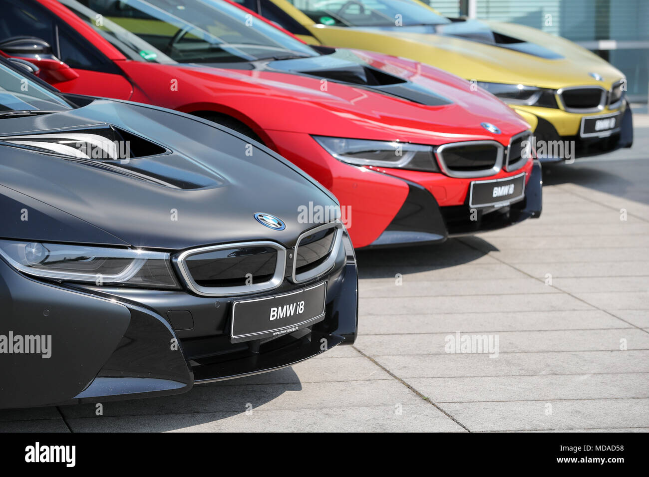 18 April 2018, Germany, Leipzig: Three BMW I8 Vehicles In Black, Red And  Gold Outside The BMW Plant In Leipzig. The Plug In Hybrid Sports Car Has  Been Built ...