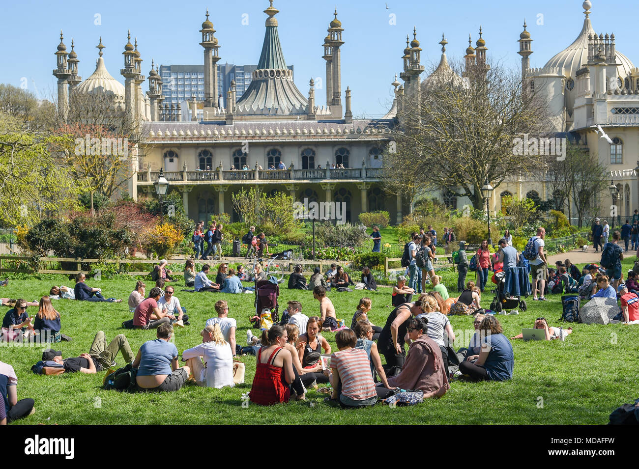 Brighton Pavilion And Beach Stock Photos & Brighton Pavilion And ...