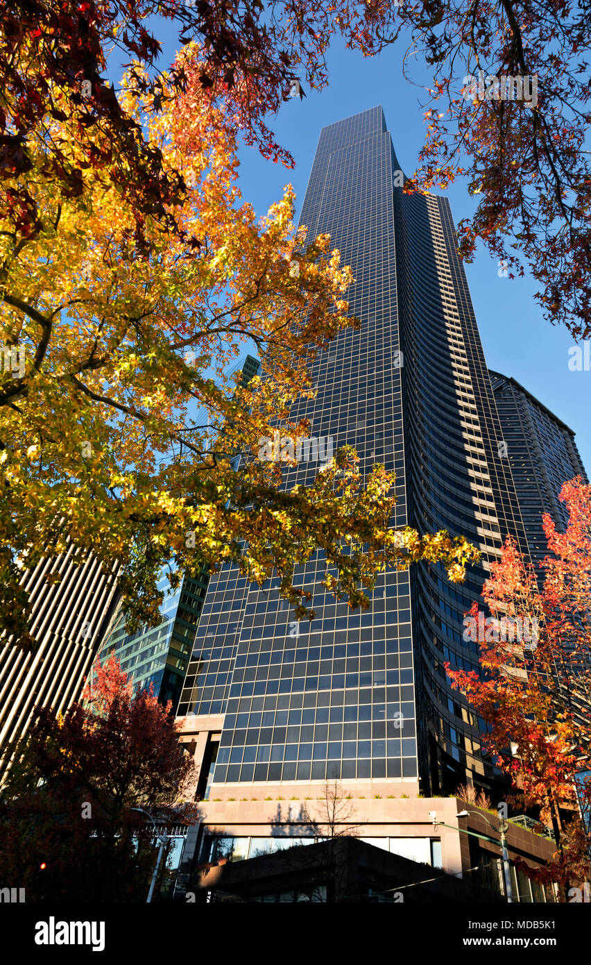 WA15285-00...WASHINGTON - Columbia Center, at 76 floors high, is the tallest building Seattle. - Stock Image