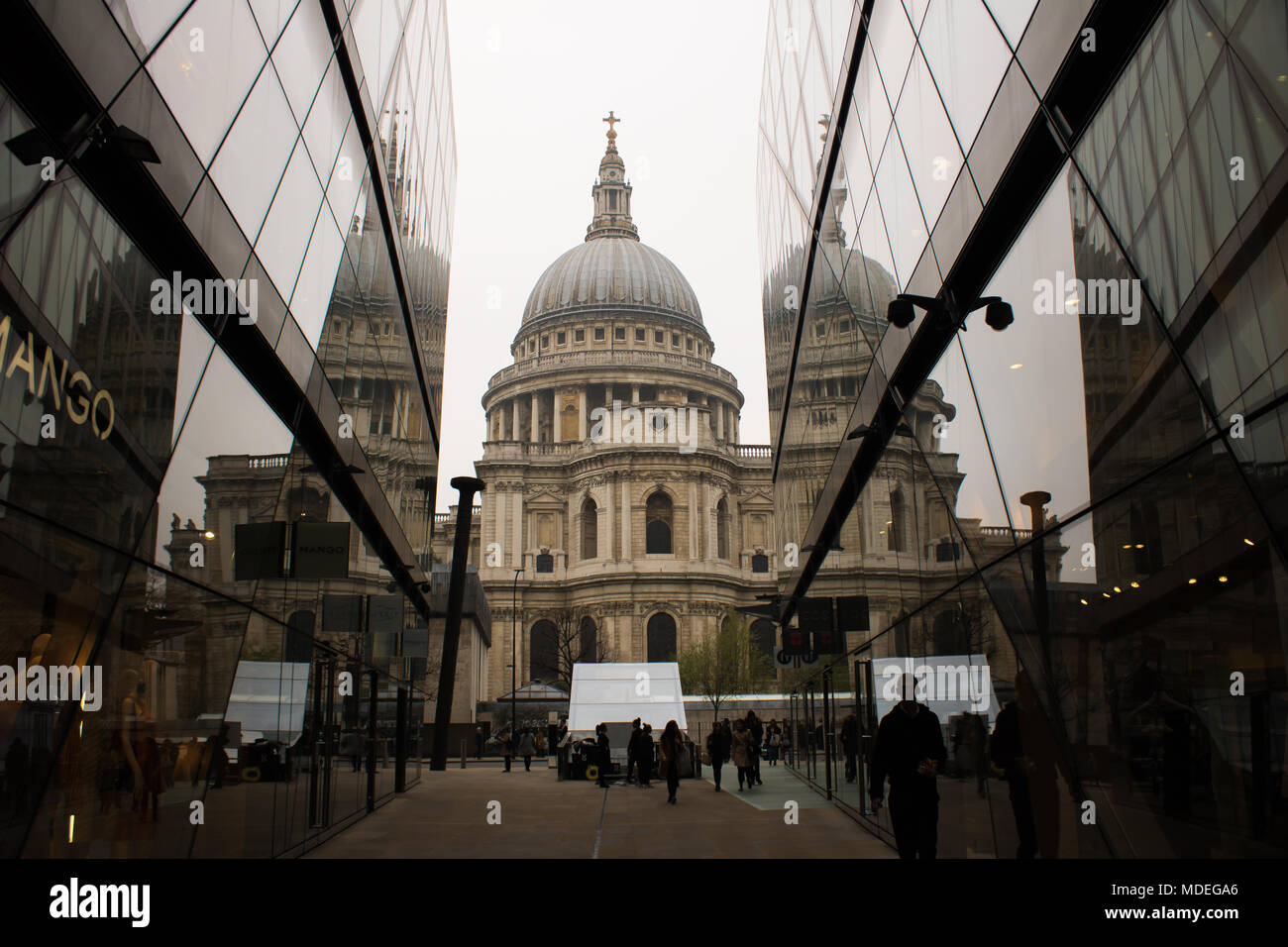 Reflection image of St. Pauls Cathedral, truly sensational and Tranquil with the clouds of Spring adding to the dramatic appearance. - Stock Image