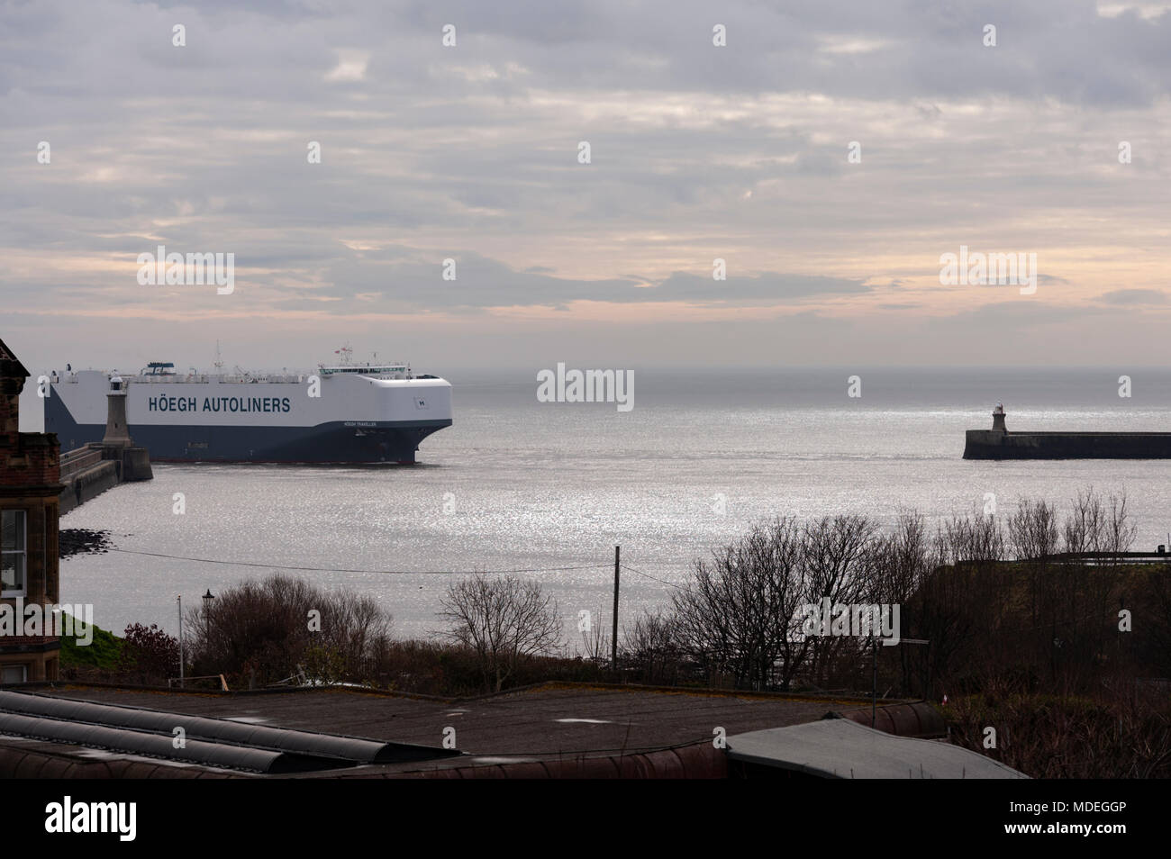 The Hoegh Traveller the autoliner arriving in the river Tyne on the early morning low tide, on the North East Coast. - Stock Image