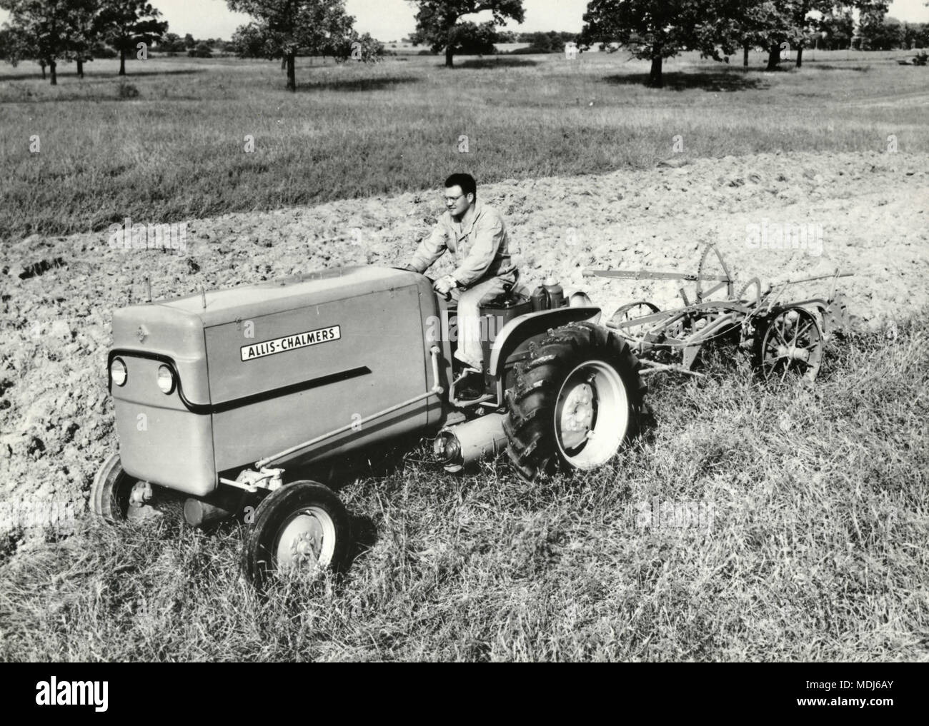 Allis Chalmers Tractor At Work Usa 1950s Stock Image