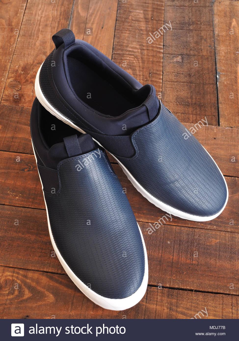 Men's dark blue slip on casual shoes