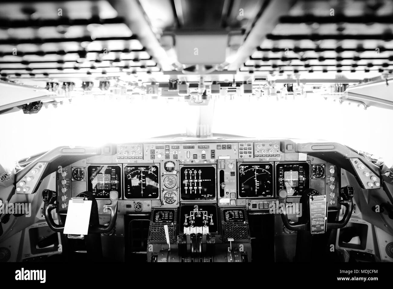 Flight Deck of a Boeing 747-400 in Flight - Stock Image