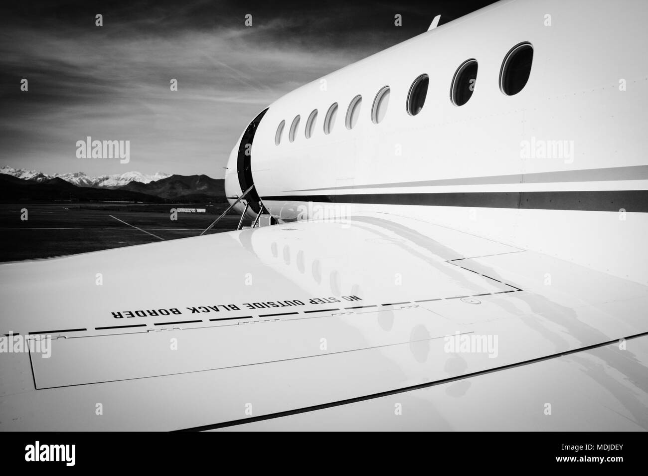 Falcon 2000 Corporate Jet Ready to Go - Stock Image