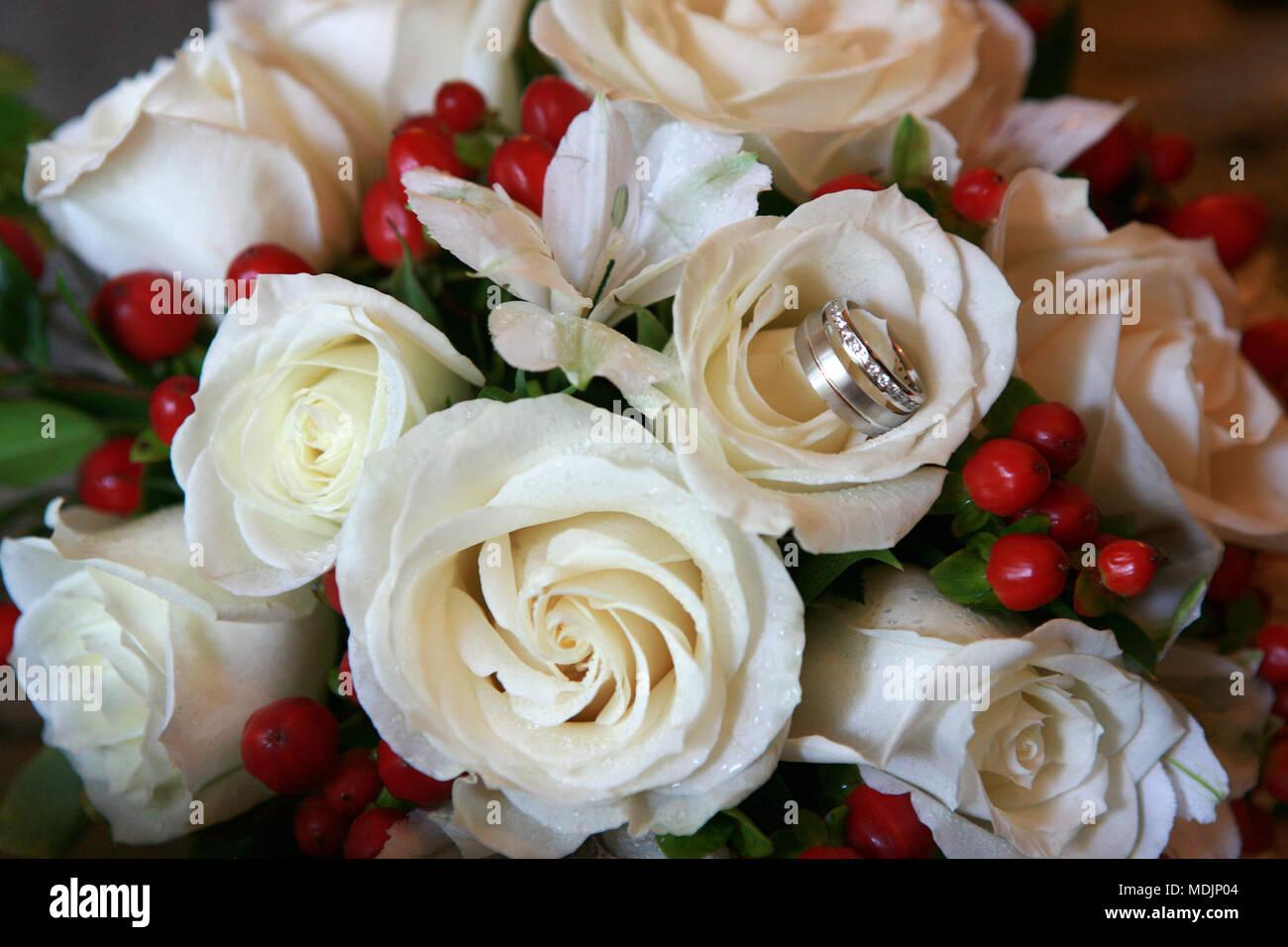 Flower Arrangement Roses Wedding Rings Stock Photos & Flower ...