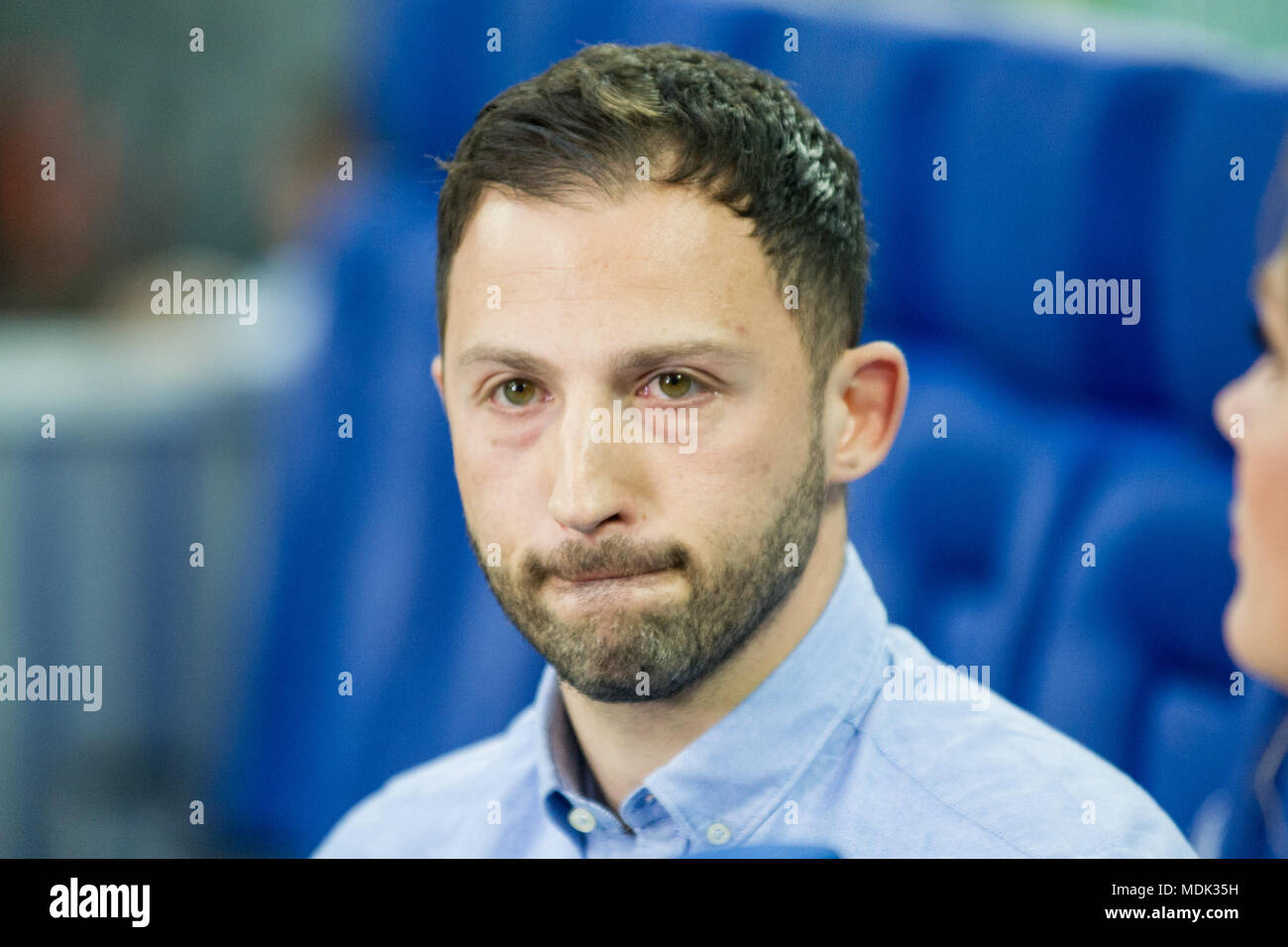 Gelsenkirchen, Deutschland. 19th Apr, 2018. Domenico TEDESCO (coach, GE) in interview, TV, television, half-length portrait, frustrated, frustrated, frustrated, disappointed, showered, disappointed, disappointment, sad, football, DFB Pokal, semi-final, FC Schalke 04 (GE) - Frankfurt (F) 0: 1 on 18.04.2018 in Gelsenkirchen/Germany. | usage worldwide Credit: dpa/Alamy Live News - Stock Image