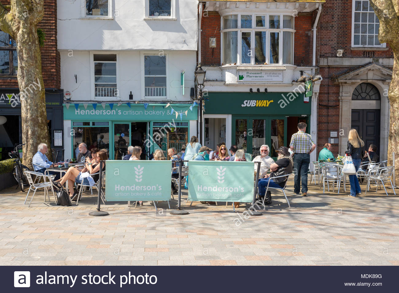 Salisbury Wiltshire Uk 20th April 2018 Bright And Warm Weather On The Day That Defra Has Declared The City Safe For Tourists And Visitors
