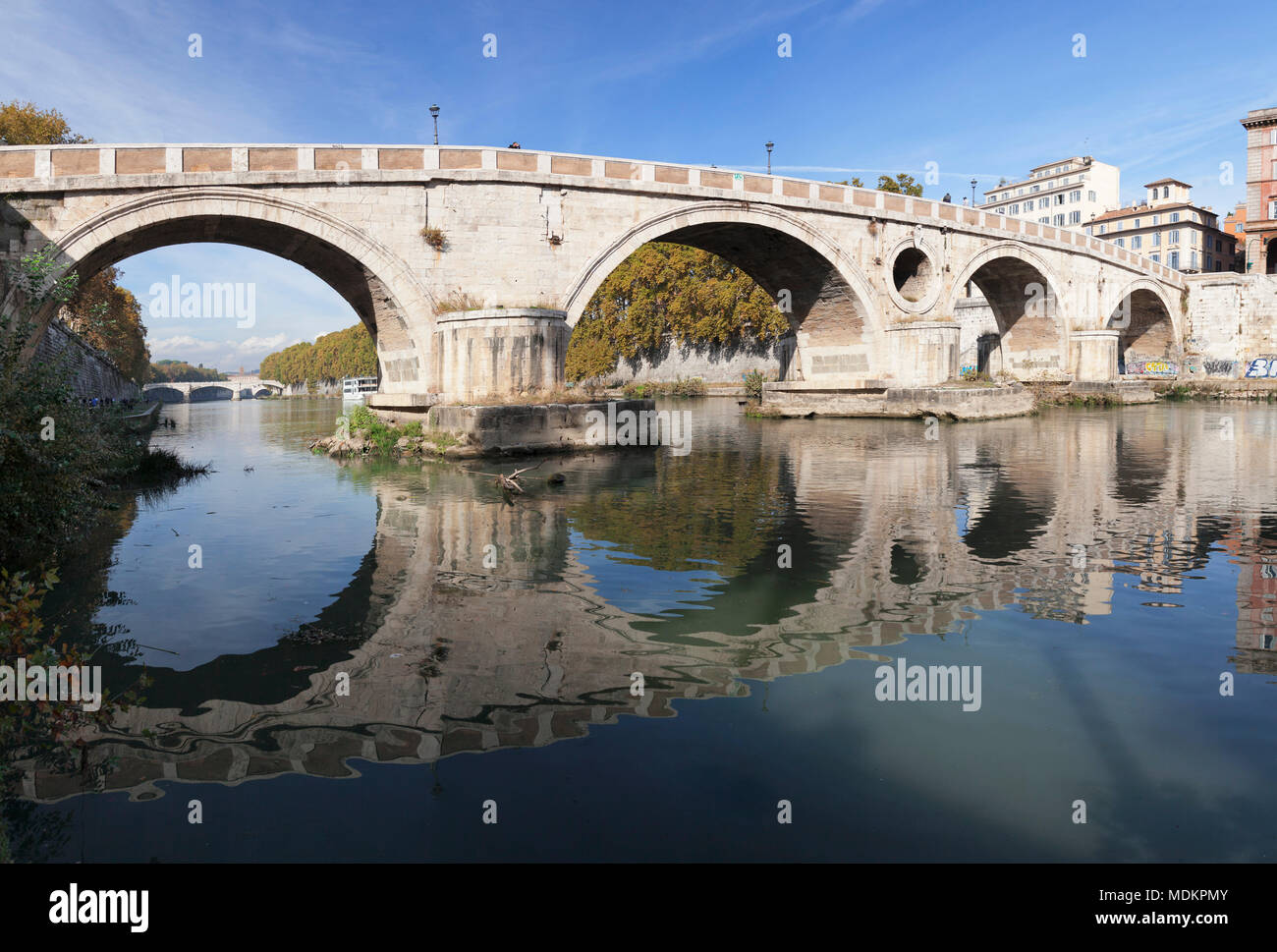 Ponte Garibaldi Bridge over the Tiber, Rome, Lazio, Italy - Stock Image