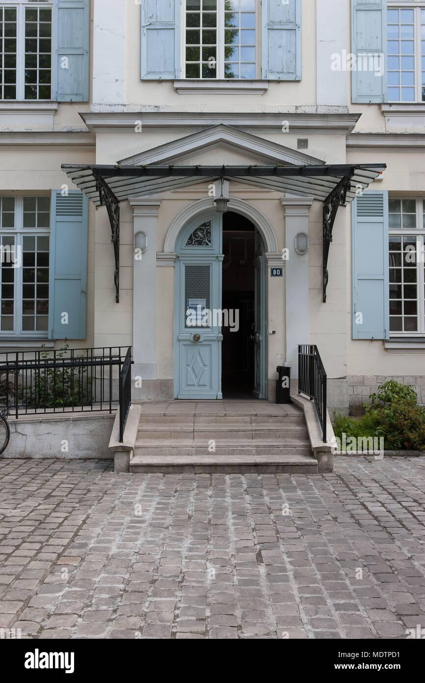France, Clichy-la-Garenne, boulevard du General Leclerc, Maison des Associations, Aime Cesaire, Copyright notice: CRT PIdF Stock Photo