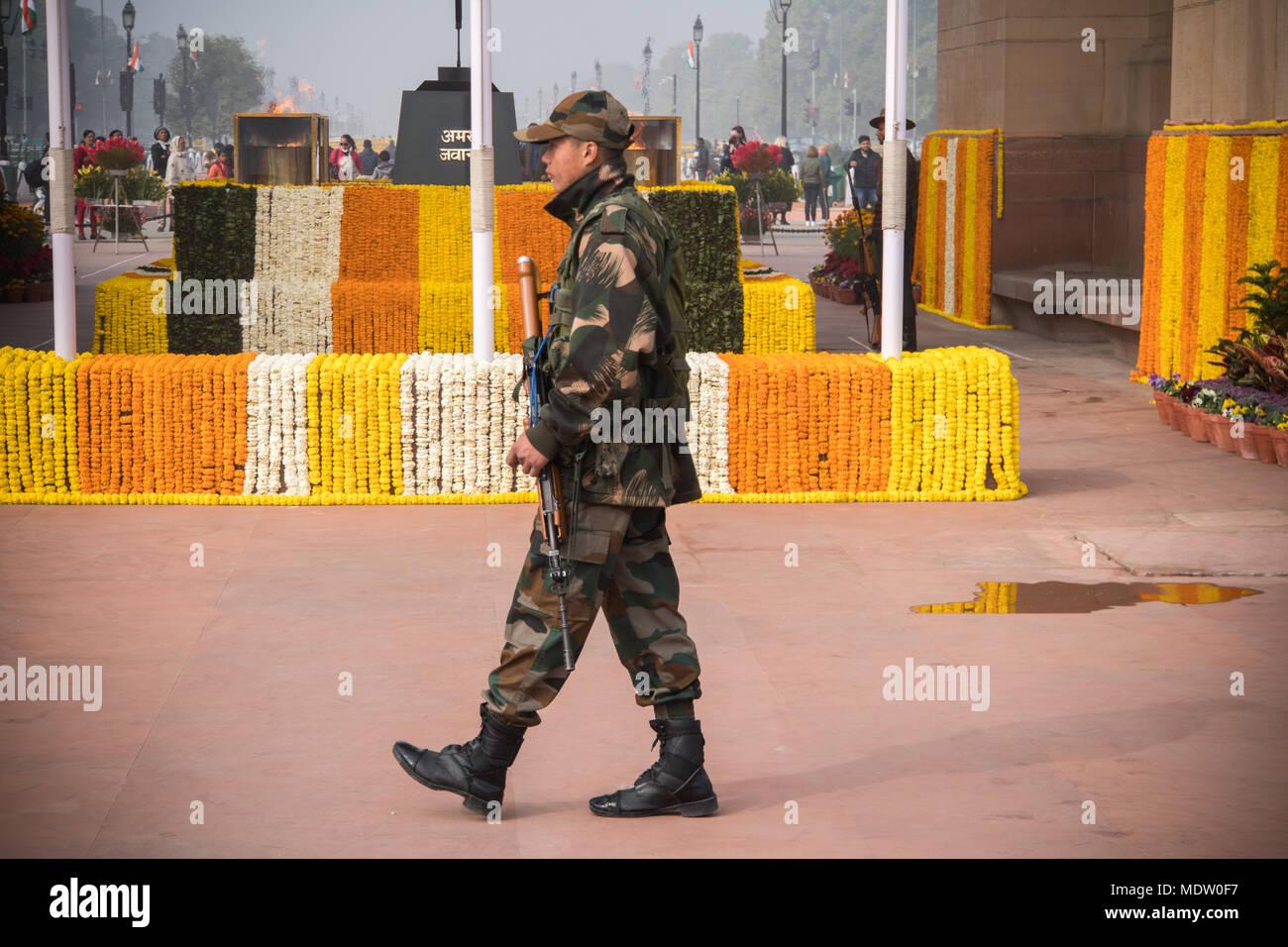 Amar jawan stock photos amar jawan stock images alamy new delhi india january 27 2018 soldiers standing at amar jawan memorial thecheapjerseys Images