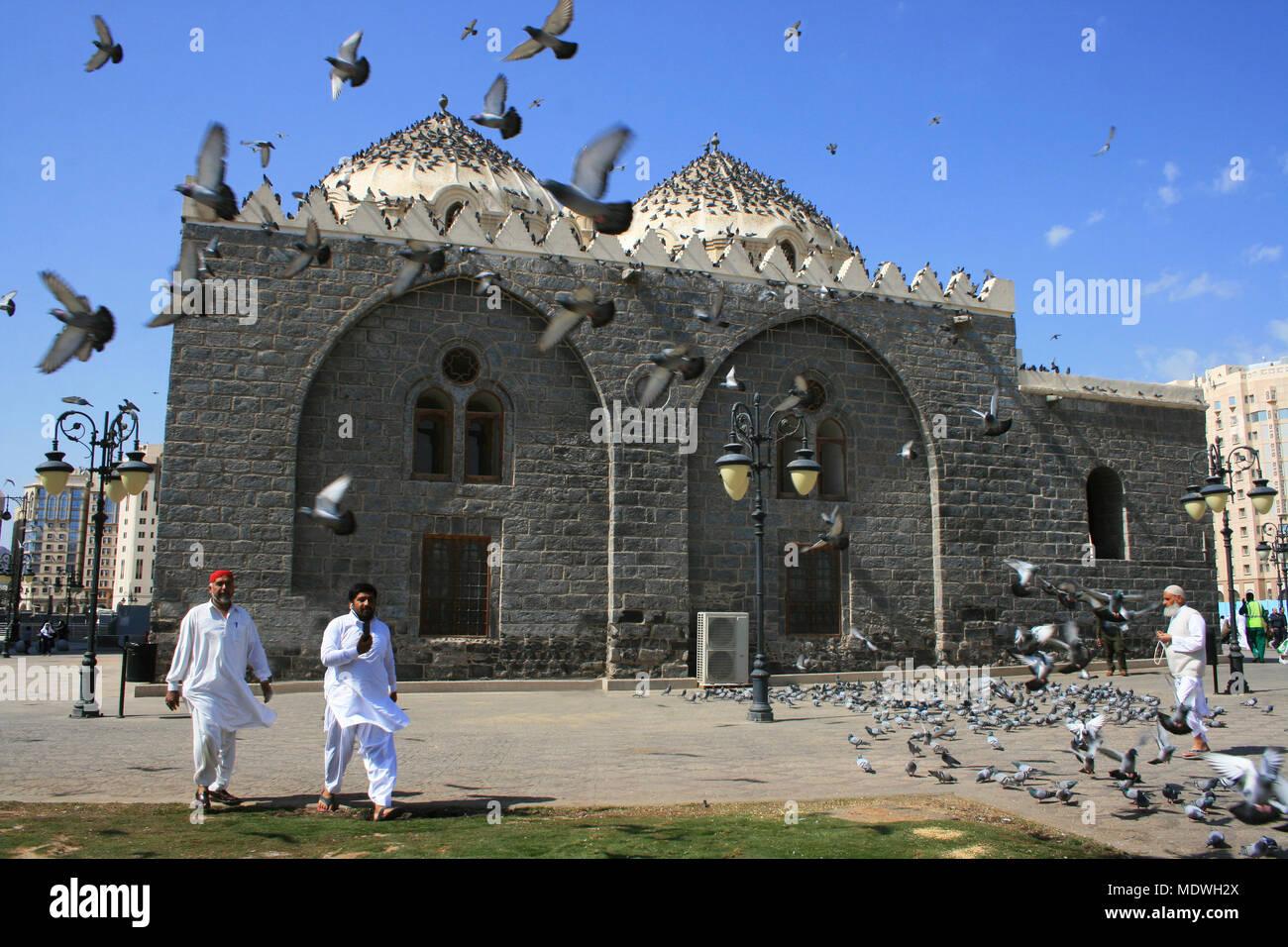 ghamama mosque in medina saudi arabia stock photo 180656418 alamy