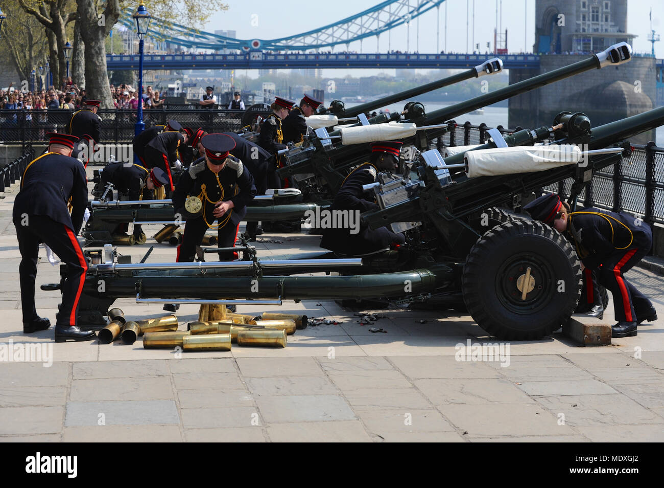 London UK 21st April 2018 Soldiers Of The Honourable Artillery Company HAC