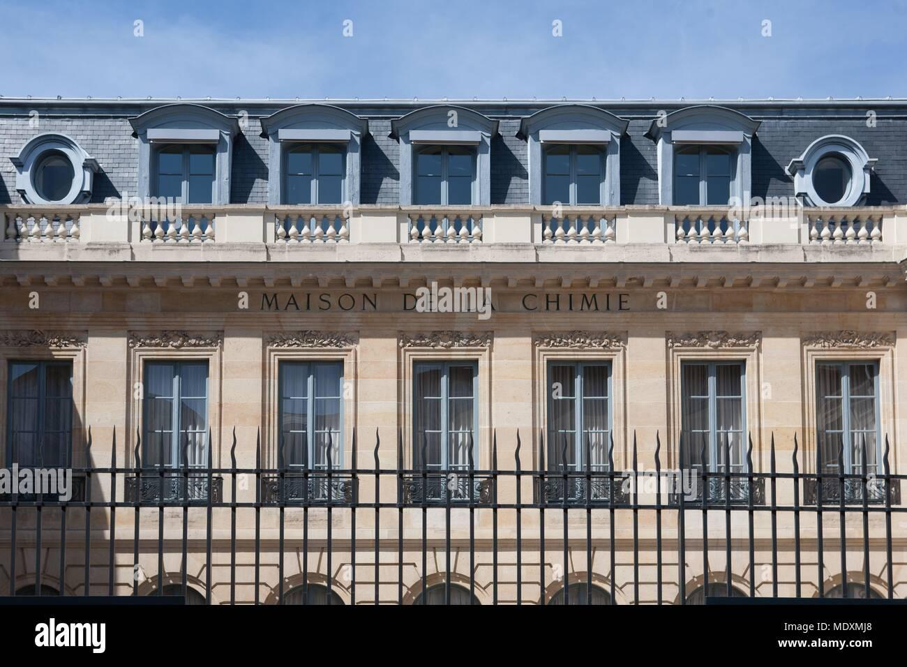 28 rue saint dominique maison de la chimie avie home. Black Bedroom Furniture Sets. Home Design Ideas