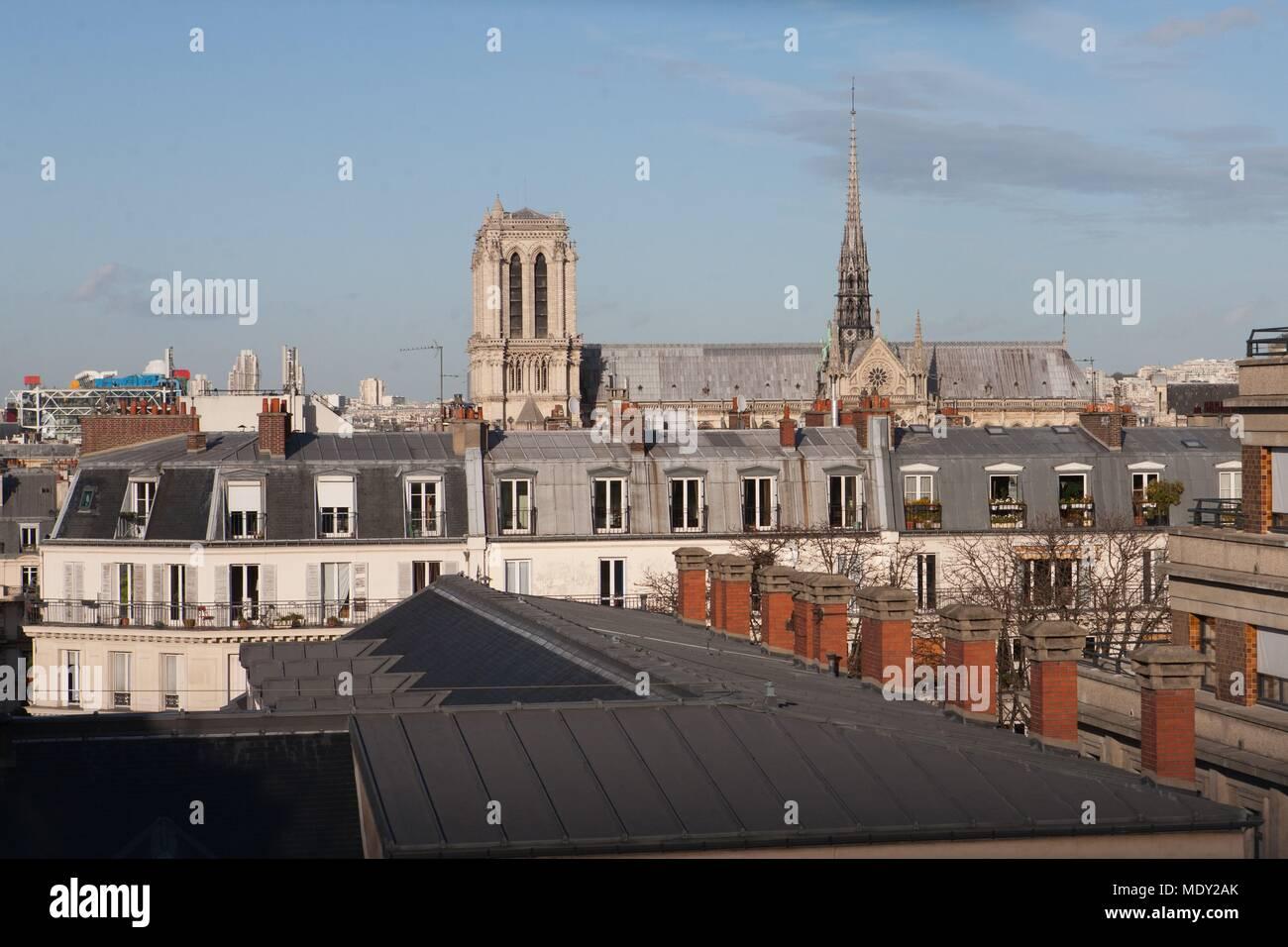 Mdy Pont L Eveque cathédrale saint jacques stock photos & cathédrale saint