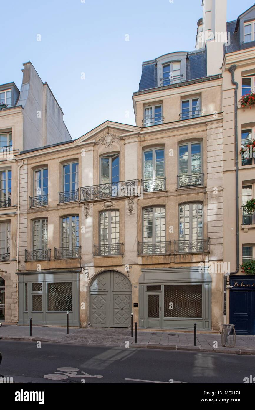 France, Ile de France region, 6th arrondissement, rue dauphine, hotel particulier, Stock Photo