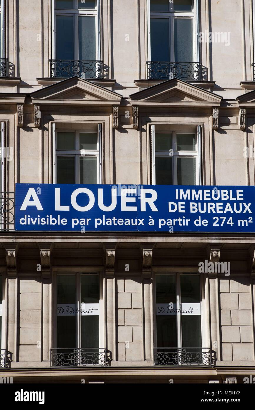 Paris, 8th arrondissement, rue Francis I of France, facades et scenes de street, district of la mode, bureaux a louer, Stock Photo