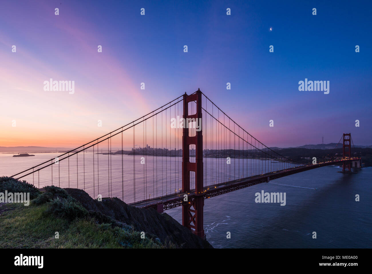 Sunrise view of Alcatraz, San Francisco and the Golden Gate Bridge from Battery Spencer - Stock Image