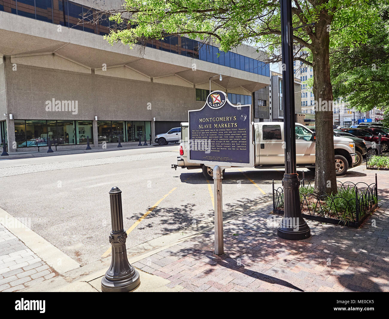 Historical marker describing the slave market or markets in Montgomery Alabama USA during the 1800's, also known as slave trade. - Stock Image