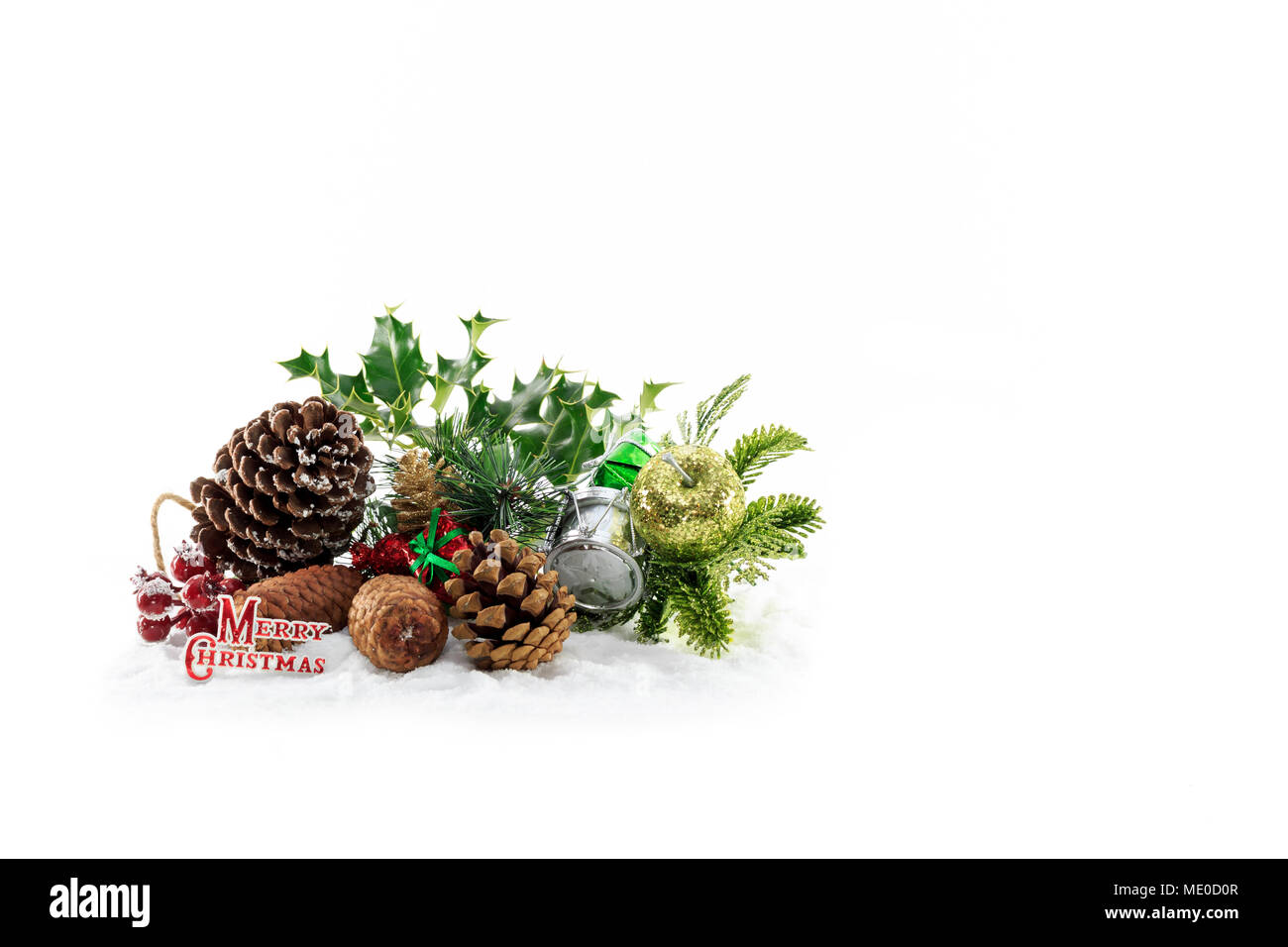 wired 1 x Holly,berries /& fir cones sprig Christmas,Wreaths,Cakes,Tables