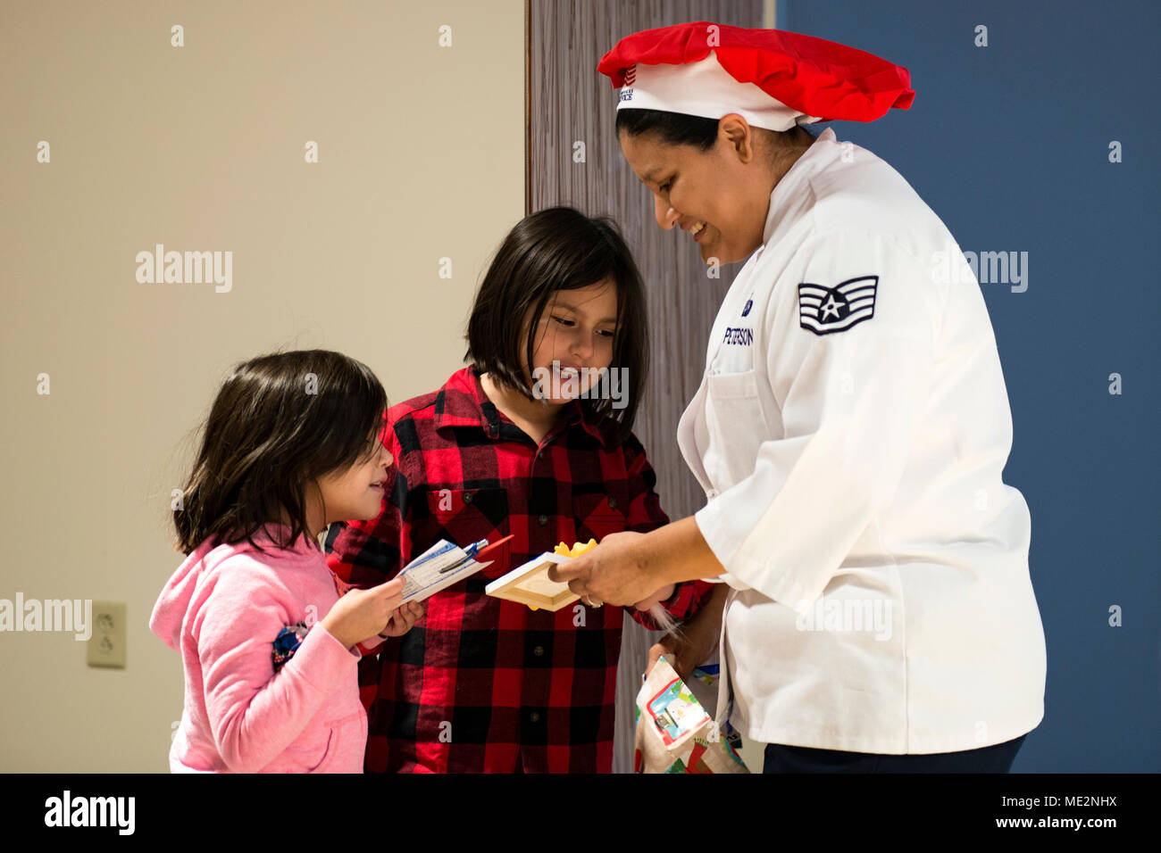 Osan Dfac Christmas 2020 Page 3   1st Class Dining High Resolution Stock Photography and