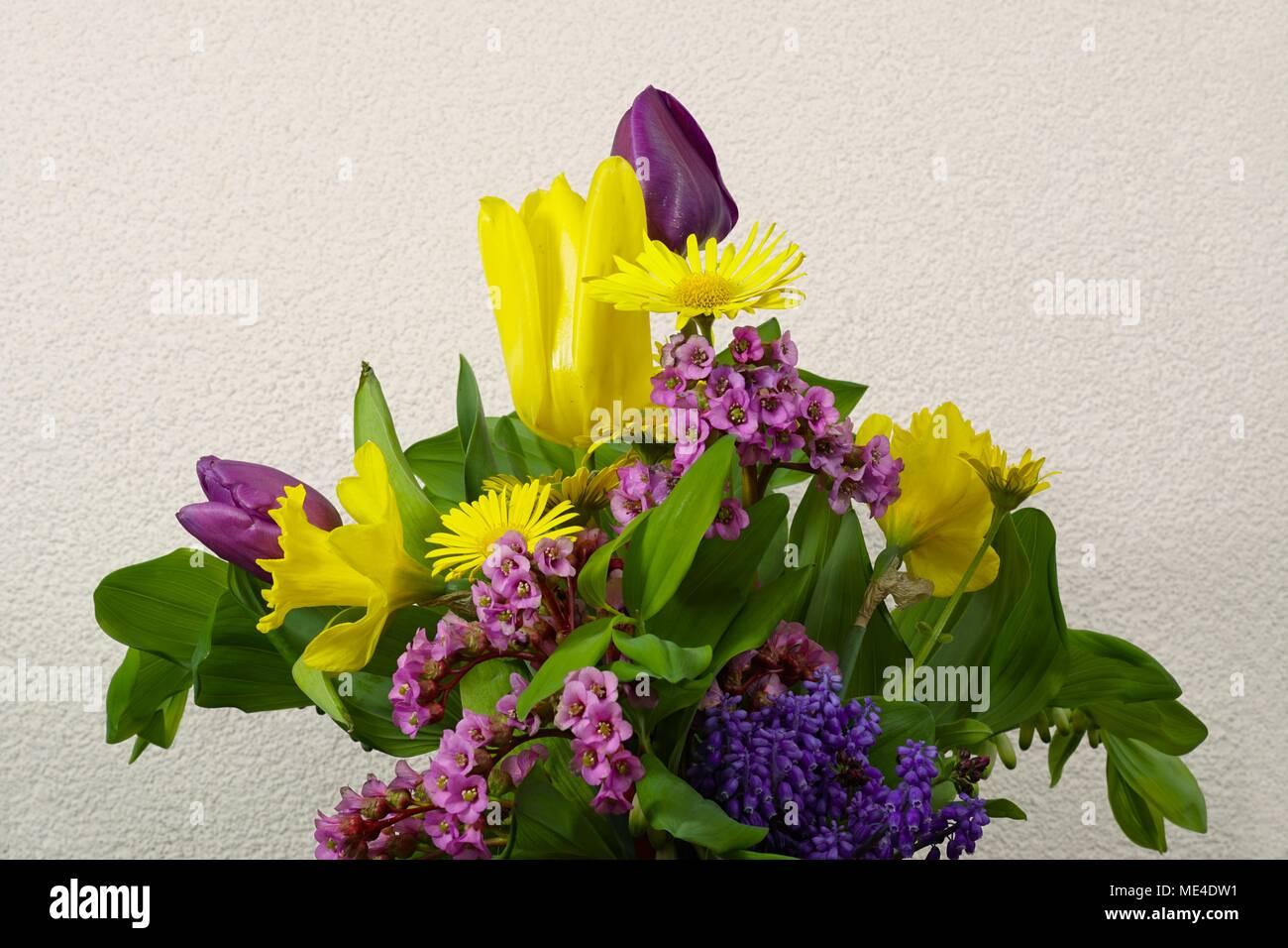 Blumenstrauss zu Ostern Stock Photo