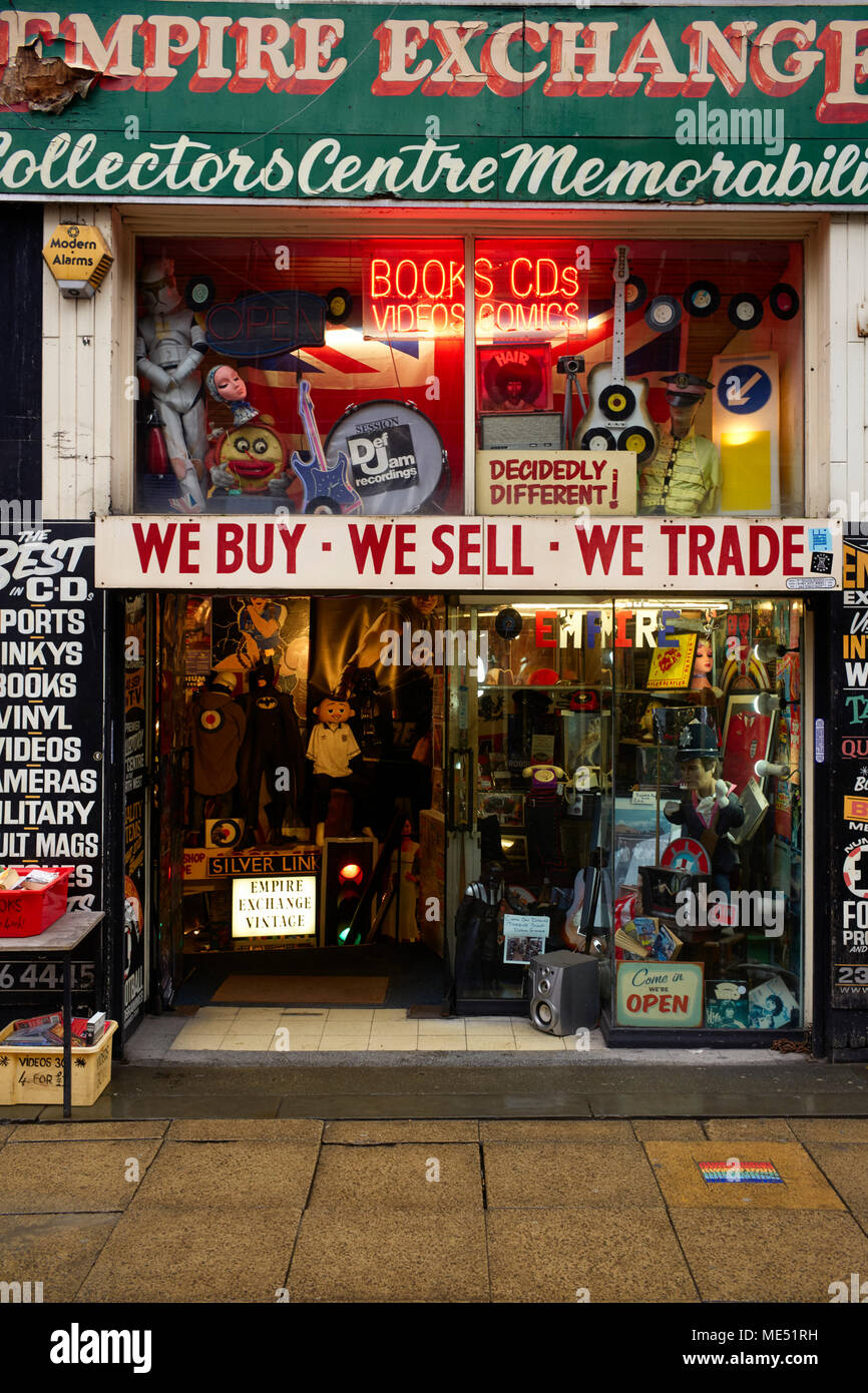 Secondhand trading shop in the centre of Manchester - Stock Image