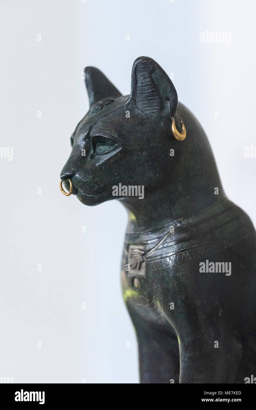London. England. British Museum, The Gayer-Anderson Cat ca. 600 BC, possibly from Saqqara, Egypt.   The Gayer-Anderson Cat is a hollow-cast bronze fig - Stock Image