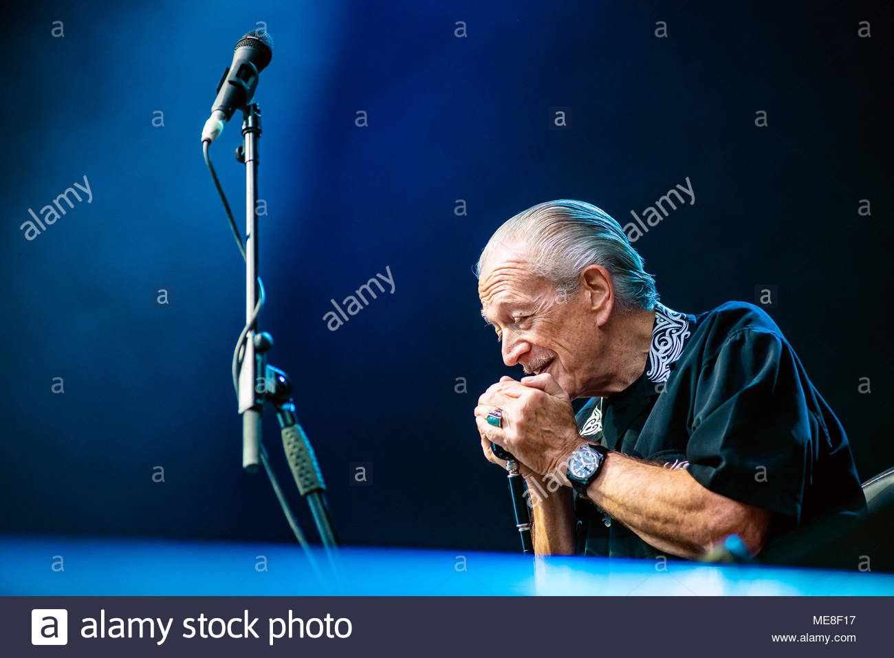 Chamonix, France, 21 April 2018. Charlie Musselwhite performing live (with Ben Harper) at at MUSILAC Mont-Blanc festival in Chamonix (France) - 21 april 2018 Credit: Olivier Parent/Alamy Live News Stock Photo