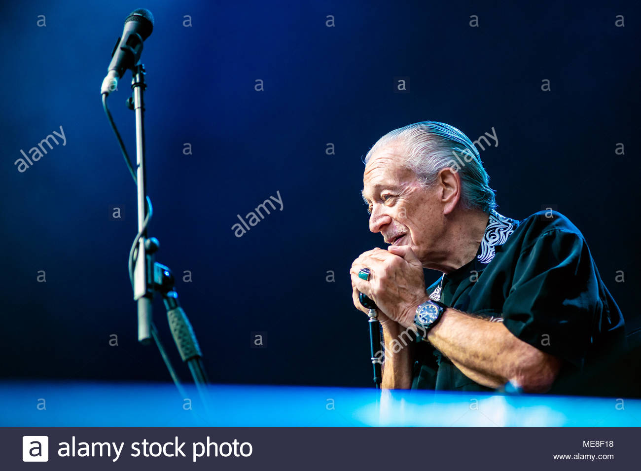 Chamonix, France, 21 April 2018. Charlie Musselwhite performing live (with Ben Harper) at at MUSILAC Mont-Blanc festival in Chamonix (France) - 21 april 2018 Credit: Olivier Parent/Alamy Live News - Stock Image